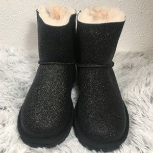 SOLD Ugg Mini Bailey Bow Black Sparkle Boot Size 5